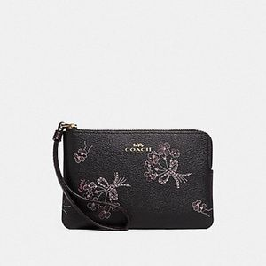 NWT Coach beautiful floral wristlet!! PRICE FIRM